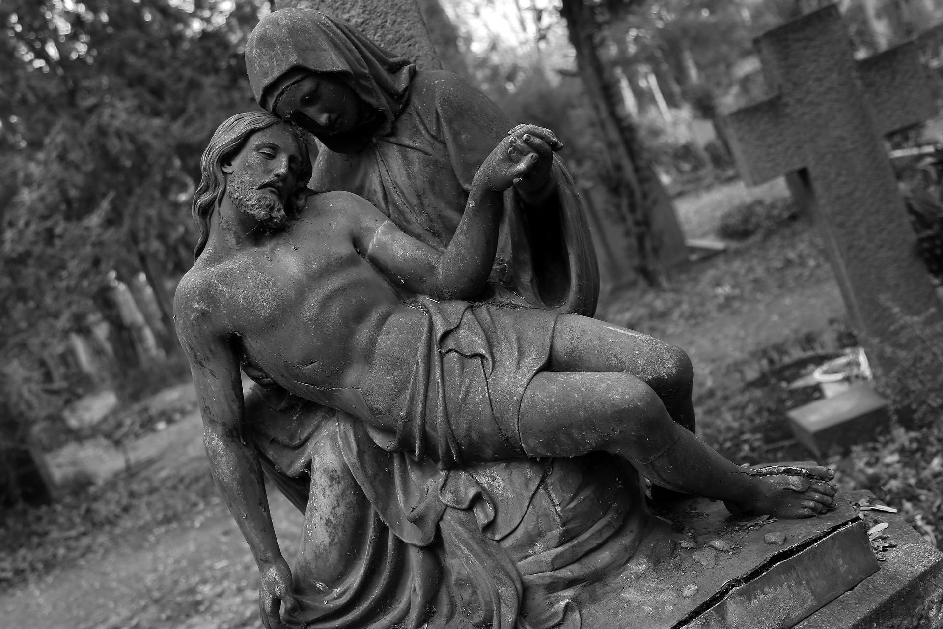 pomnik na cmentarzy
